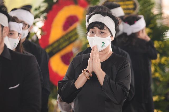 Xuân Bắc - Thảo Vân đau xót, NSND Minh Hằng thất thần tiễn đưa chồng về cõi vĩnh hằng - Ảnh 12.