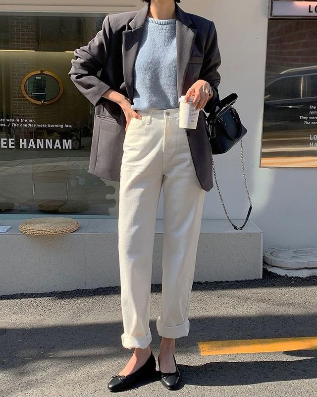 Kiểu giày búp bê hot nhất mùa Xuân: Diện với quần jeans hay váy đều xịn đẹp, là giày bệt nhưng lại tôn dáng hết sức - Ảnh 9.
