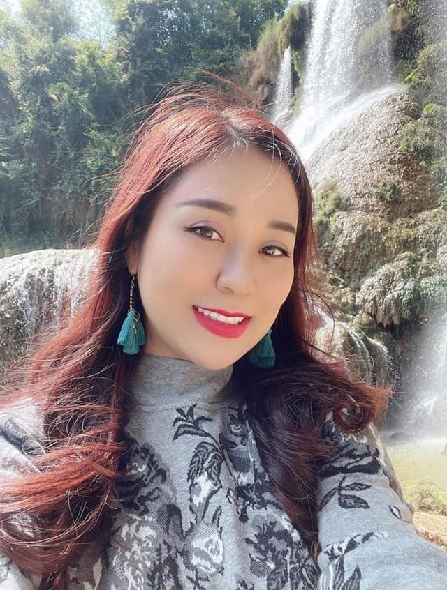 Vợ kém 12 tuổi trẻ trung xinh đẹp của NSND Tự Long - Ảnh 14.