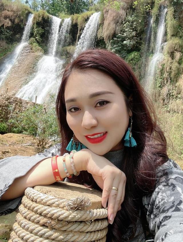 Vợ kém 12 tuổi trẻ trung xinh đẹp của NSND Tự Long - Ảnh 15.