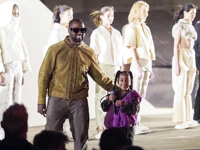 Khối tài sản 6,6 tỷ USD của Kanye West chỉ là cú lừa? - Ảnh 3.