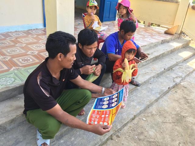 Những cộng tác viên dân số tâm huyết ở miền Tây Quảng Ngãi - Ảnh 1.