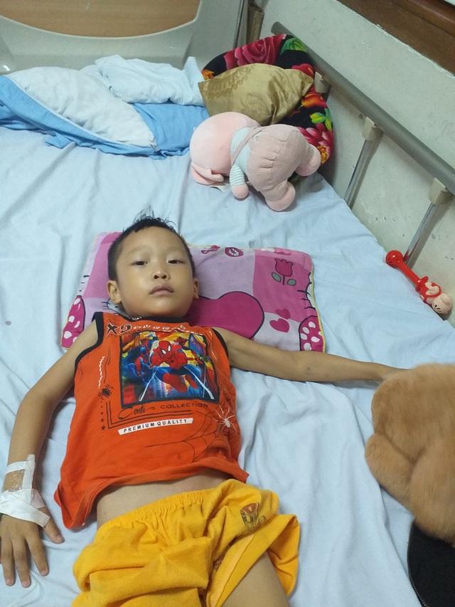 Xót xa người mẹ nghèo 3 lần mất con, giờ lại chứng kiến con trai đau đớn từng ngày trước bệnh hiểm nghèo - Ảnh 3.