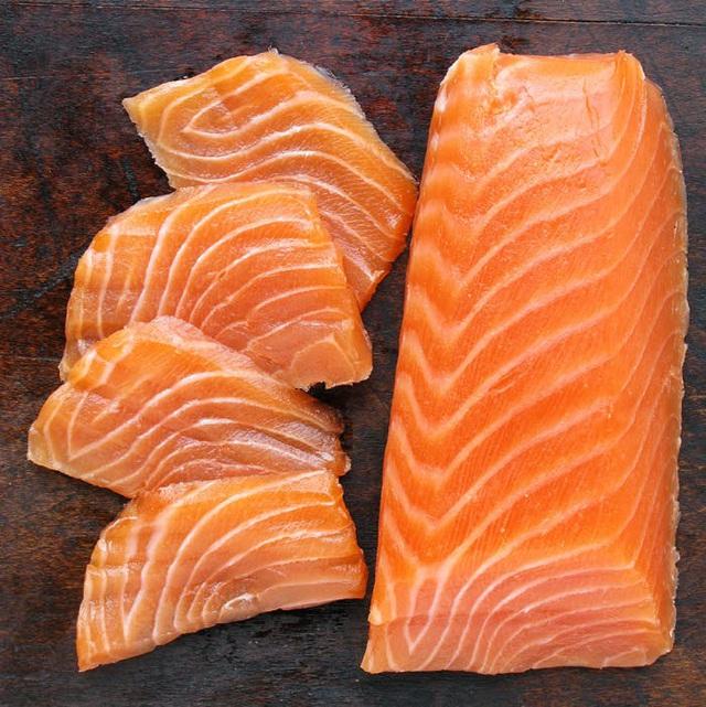 Cá hồi đắt tiền là thế nhưng chế biến sai lầm thì ăn dở ngay, và đây là những mẹo cần biết để có món cá hồi ngon tuyệt đỉnh! - Ảnh 2.