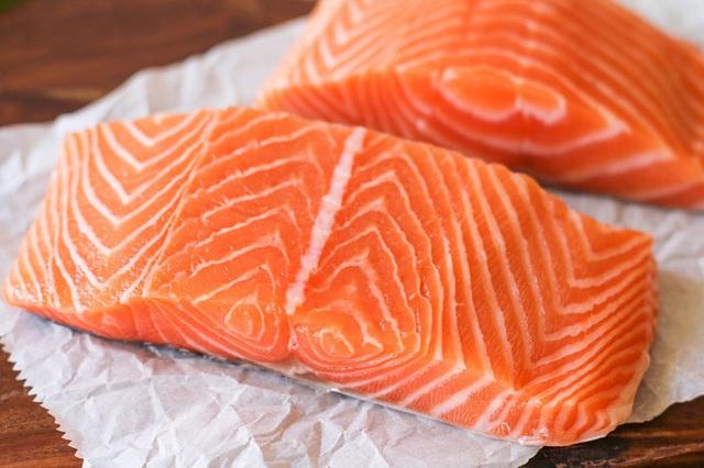 Cá hồi đắt tiền là thế nhưng chế biến sai lầm thì ăn dở ngay, và đây là những mẹo cần biết để có món cá hồi ngon tuyệt đỉnh! - Ảnh 4.