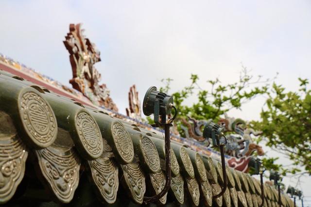 Ảnh: Cận cảnh cầu ngói hàng trăm năm tuổi ở Thừa Thiên - Huế sau thời gian tu bổ - Ảnh 5.