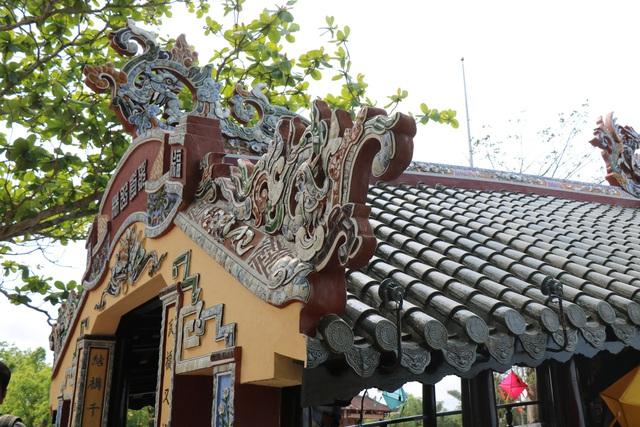 Ảnh: Cận cảnh cầu ngói hàng trăm năm tuổi ở Thừa Thiên - Huế sau thời gian tu bổ - Ảnh 6.