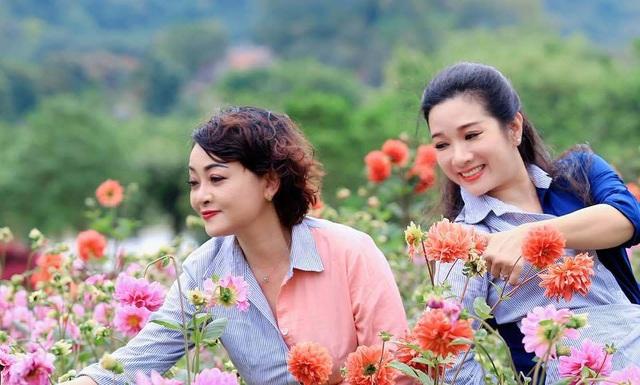 Vẻ trẻ trung xinh đẹp của Thanh Thanh Hiền dù đã ngoài 50 - Ảnh 16.