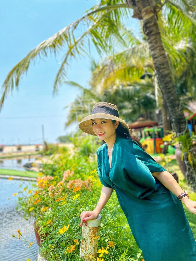 Vẻ trẻ trung xinh đẹp của Thanh Thanh Hiền dù đã ngoài 50 - Ảnh 4.