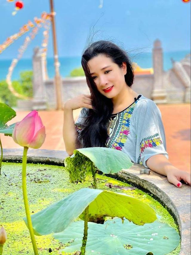 Vẻ trẻ trung xinh đẹp của Thanh Thanh Hiền dù đã ngoài 50 - Ảnh 6.