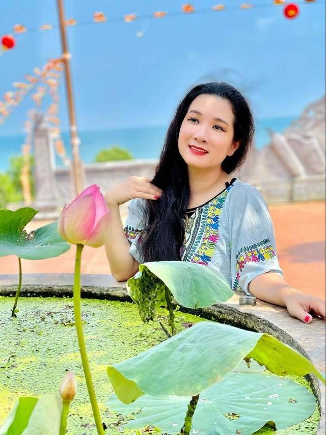 Vẻ trẻ trung xinh đẹp của Thanh Thanh Hiền dù đã ngoài 50 - Ảnh 7.