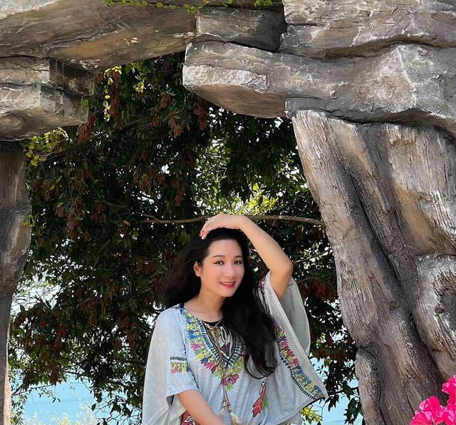 Vẻ trẻ trung xinh đẹp của Thanh Thanh Hiền dù đã ngoài 50 - Ảnh 9.