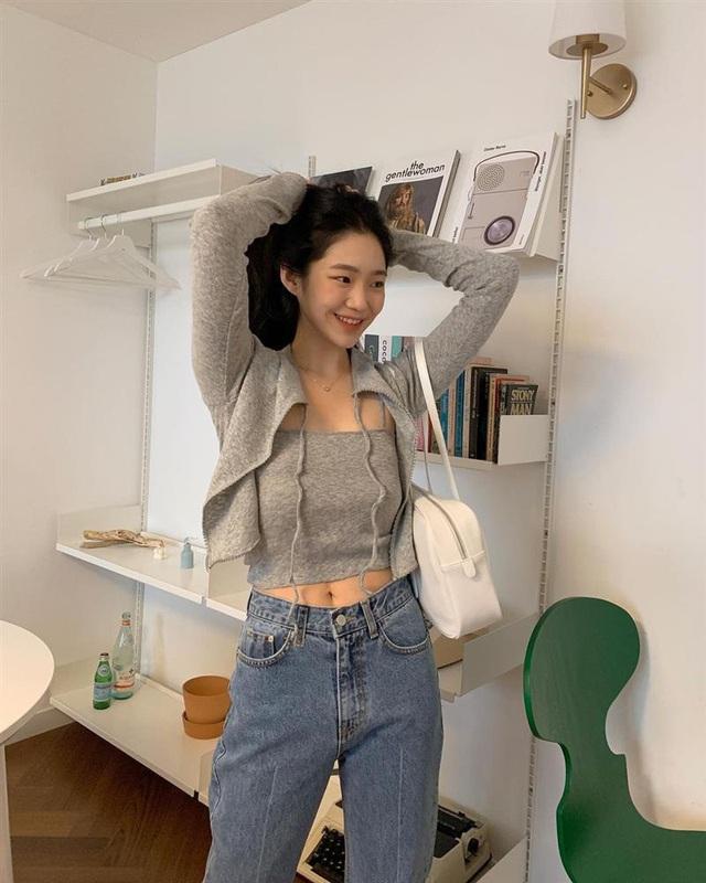 Làm mới loạt items cũ trong tủ đồ bằng 12 công thức mix&match xinh tươi, trendy của hội gái Hàn - Ảnh 11.