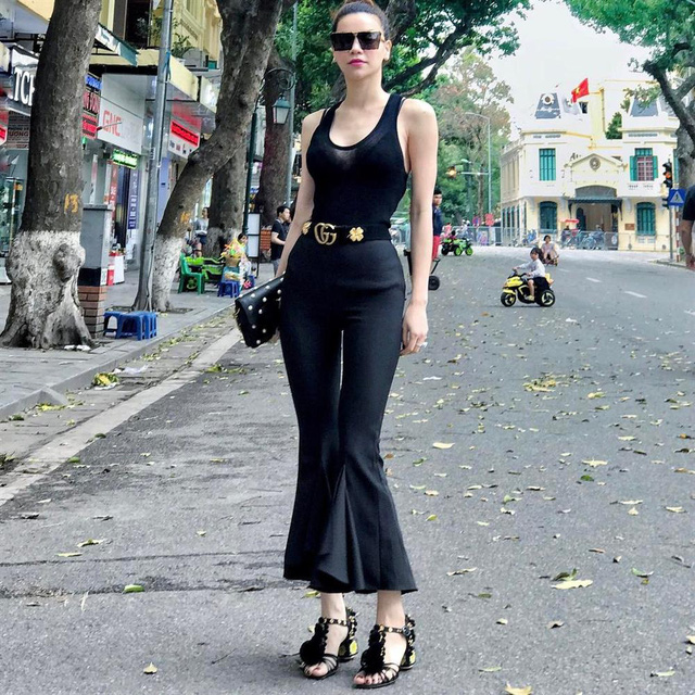 Dáng chuẩn người mẫu, cân được muôn kiểu quần dài nhưng chân ái thực sự của Hồ Ngọc Hà chỉ có 4 kiểu sau - Ảnh 3.