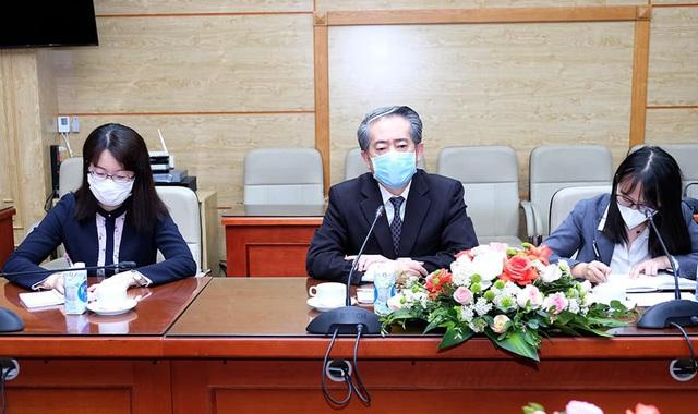 Bộ Y tế thảo luận với Đại sứ Trung Quốc, Ấn Độ và Tham tán công sứ Nga về vaccine phòng COVID-19 - Ảnh 3.