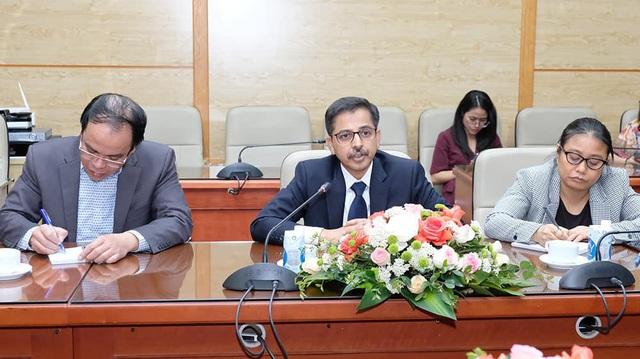 Bộ Y tế thảo luận với Đại sứ Trung Quốc, Ấn Độ và Tham tán công sứ Nga về vaccine phòng COVID-19 - Ảnh 4.