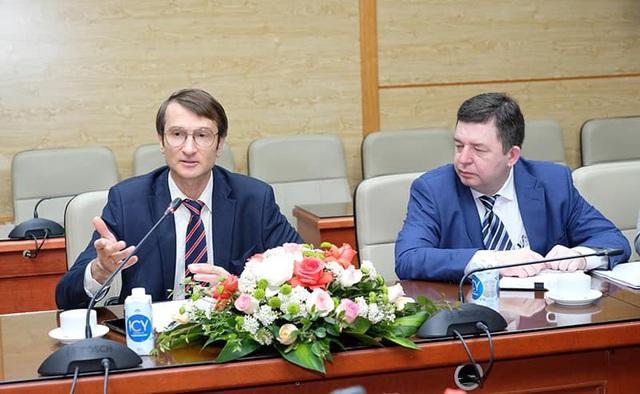 Bộ Y tế thảo luận với Đại sứ Trung Quốc, Ấn Độ và Tham tán công sứ Nga về vaccine phòng COVID-19 - Ảnh 5.