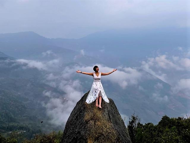 Lên đỉnh Tà Xùa săn mây - Ảnh 6.
