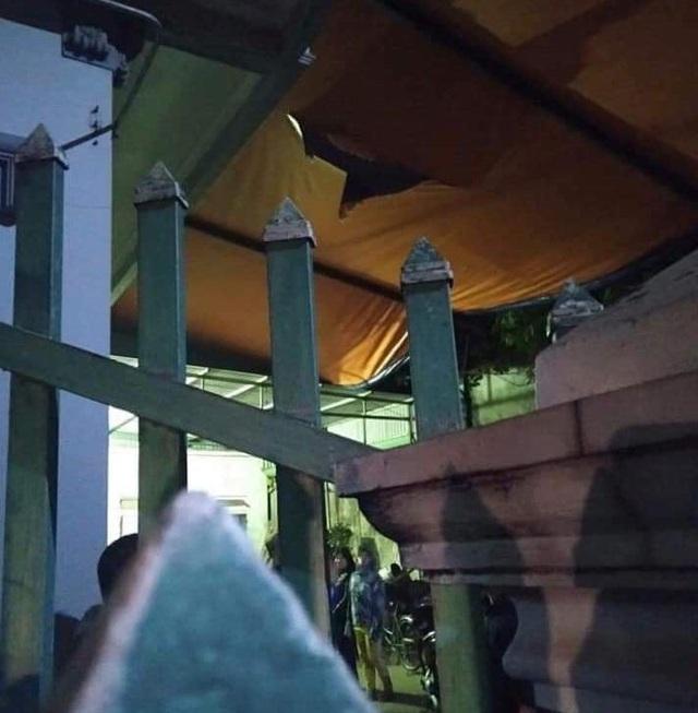 Thương tâm cháu bé rơi từ tầng 2 xuống đất tử vong ở Nam Định - Ảnh 1.