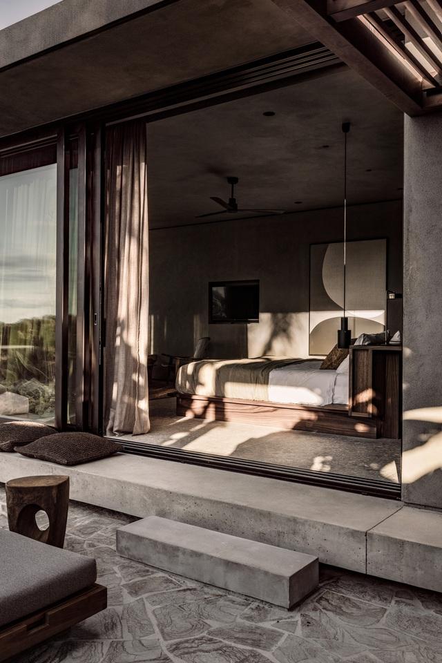 13 gợi ý thiết kế tường kính cho phòng ngủ để hưởng trọn tầm nhìn tuyệt đẹp bên ngoài - Ảnh 11.