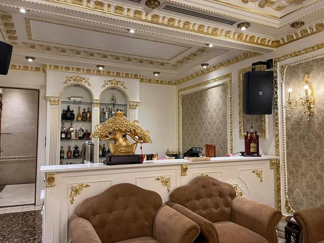 Choáng váng với nội thất dát vàng trong căn biệt thự 300 tỷ ngay trung tâm Hà Nội - Ảnh 17.