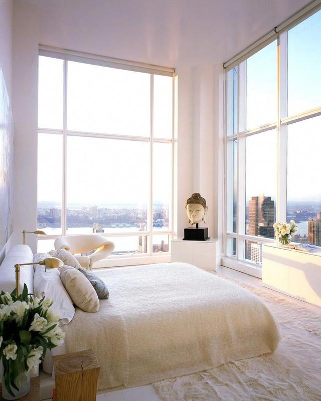 13 gợi ý thiết kế tường kính cho phòng ngủ để hưởng trọn tầm nhìn tuyệt đẹp bên ngoài - Ảnh 3.