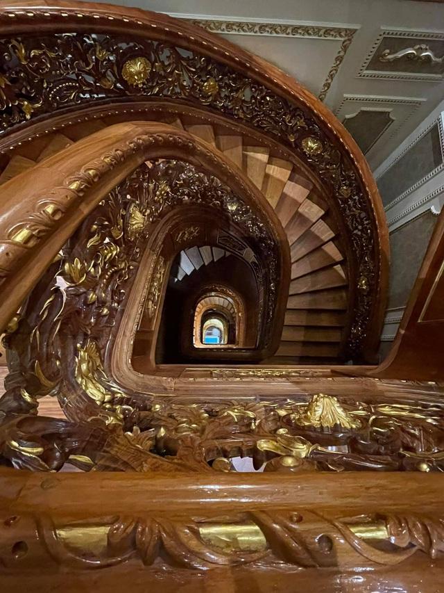 Choáng váng với nội thất dát vàng trong căn biệt thự 300 tỷ ngay trung tâm Hà Nội - Ảnh 5.