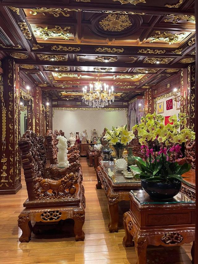 Choáng váng với nội thất dát vàng trong căn biệt thự 300 tỷ ngay trung tâm Hà Nội - Ảnh 9.