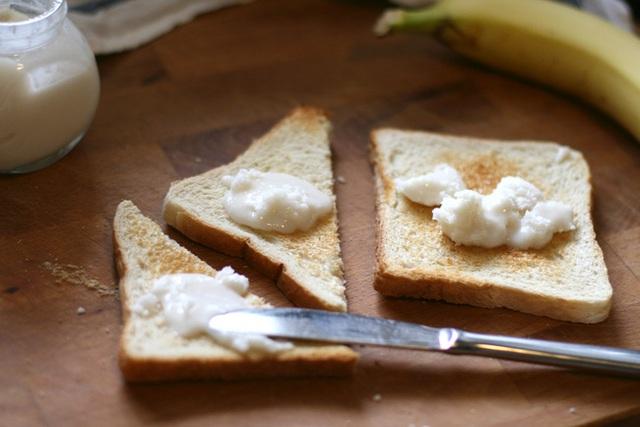 Tăng Thanh Hà thường xuyên dùng bơ dừa để ăn với bánh mì và đây là cách để chúng ta tự làm loại bơ này - Ảnh 12.