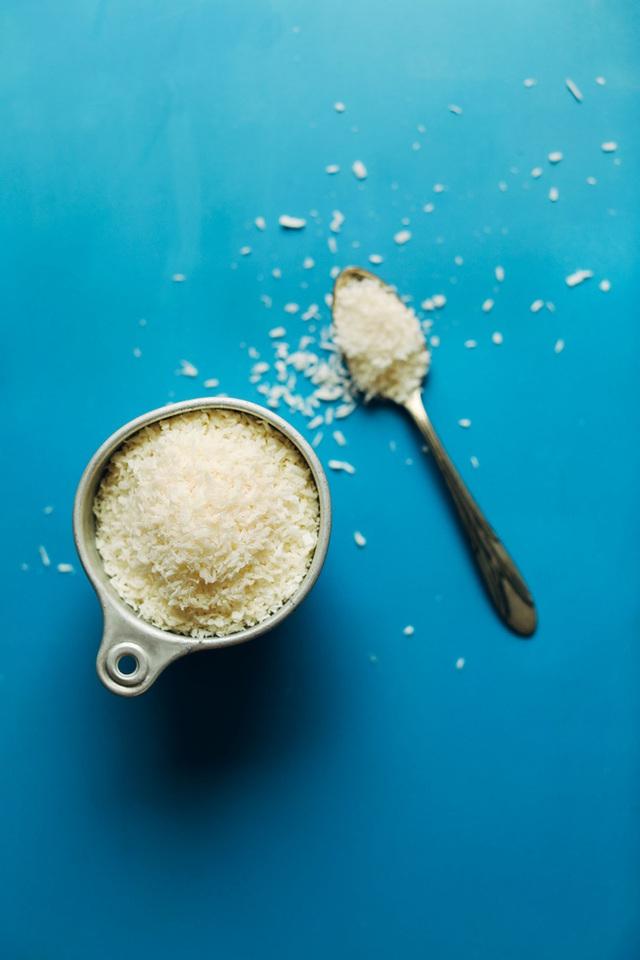 Tăng Thanh Hà thường xuyên dùng bơ dừa để ăn với bánh mì và đây là cách để chúng ta tự làm loại bơ này - Ảnh 4.