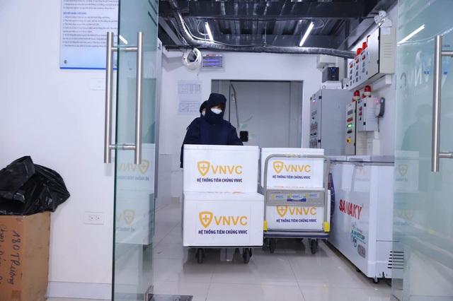 Việt Nam tiếp tục tiêm vaccine COVID-19, tiêm đến đâu bảo đảm an toàn đến đấy - Ảnh 3.
