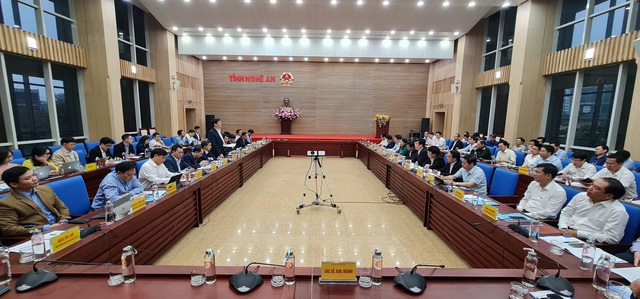 Bộ trưởng Bộ Y tế: Tập trung phát triển Nghệ An thành trung tâm y tế chuyên sâu vùng Bắc Trung bộ - Ảnh 1.