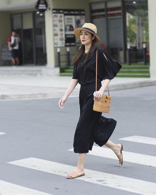 Hè này muốn mix quần đen không bị nhàm chán, nàng công sở hãy học Hà Tăng để thật sành điệu - Ảnh 3.