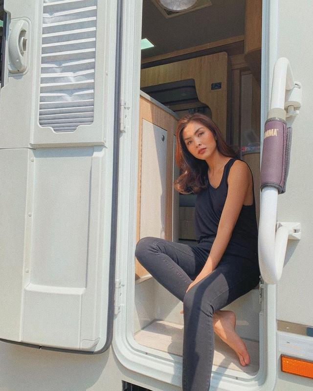Hè này muốn mix quần đen không bị nhàm chán, nàng công sở hãy học Hà Tăng để thật sành điệu - Ảnh 9.