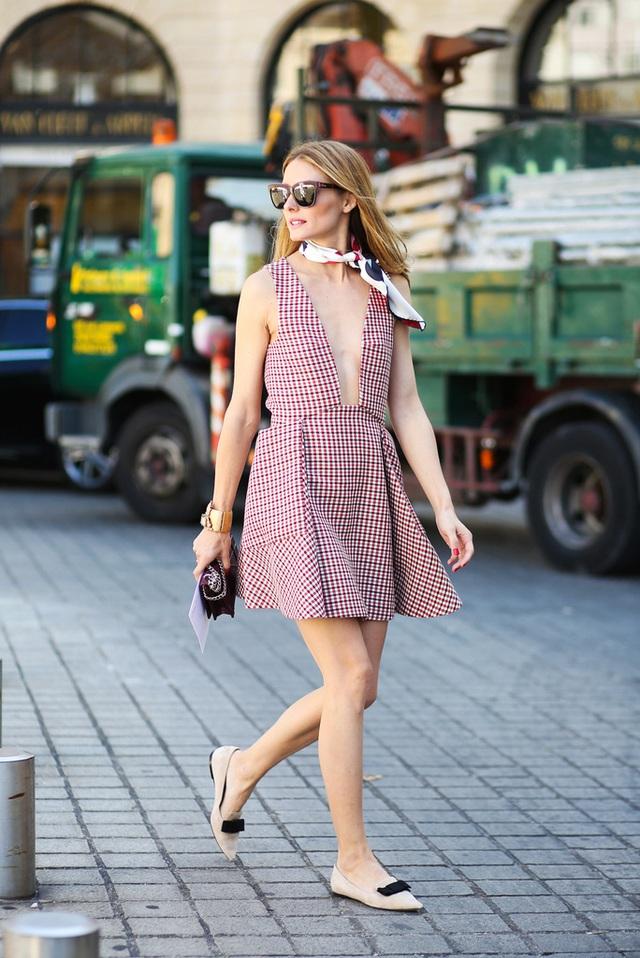 Muốn đôi chân đến sở làm thoải mải mà vẫn hợp mốt, nàng công sở tham khảo ngay 3 mẫu giày bệt dưới đây - Ảnh 4.