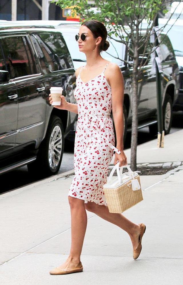 Muốn đôi chân đến sở làm thoải mải mà vẫn hợp mốt, nàng công sở tham khảo ngay 3 mẫu giày bệt dưới đây - Ảnh 3.