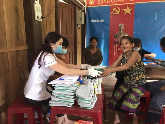 Quảng Bình: Ngăn chặn sốt xuất huyết phát tán từ bản Dốc Mây - Ảnh 1.