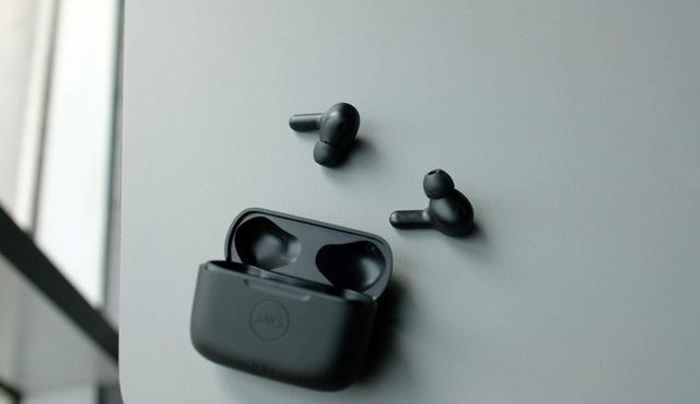 Những mẫu tai nghe true wireless chống ồn, giá tốt tại Việt Nam - Ảnh 3.