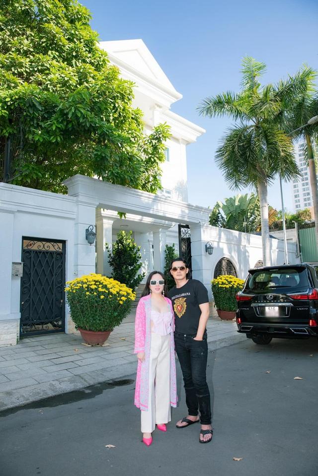 Khi vẫn còn mặn nồng với Phượng Chanel, Quách Ngọc Ngoan từng sống trong biệt thự sanh chảnh thế này - Ảnh 1.