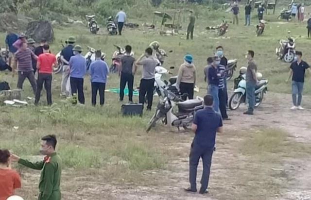 Quảng Ninh: Phát hiện thi thể đang phân hủy tại đường dẫn ra cảng - Ảnh 1.