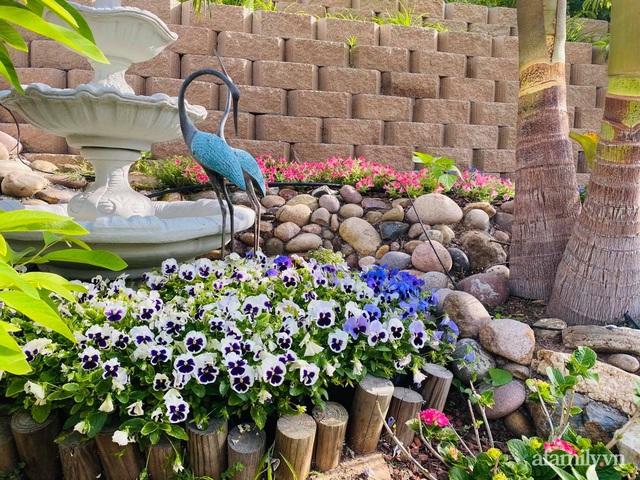 Khu vườn muôn hoa khoe sắc tỏa hương của mẹ Việt thức đêm chăm cây  - Ảnh 25.