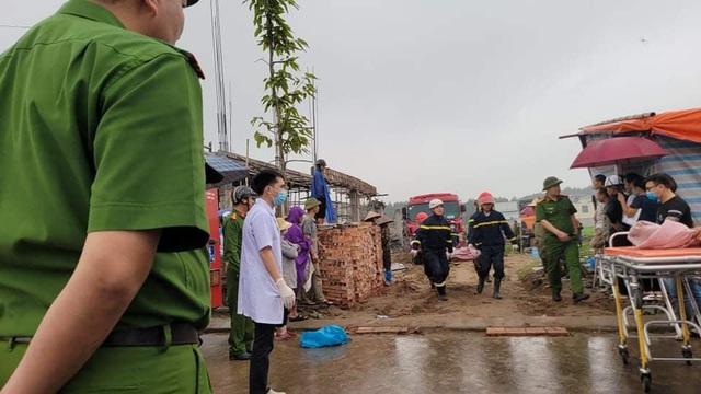 Tìm thấy thi thể 2 công nhân tử vong trong vụ sập giàn giáo công trình ở Bắc Ninh - Ảnh 4.