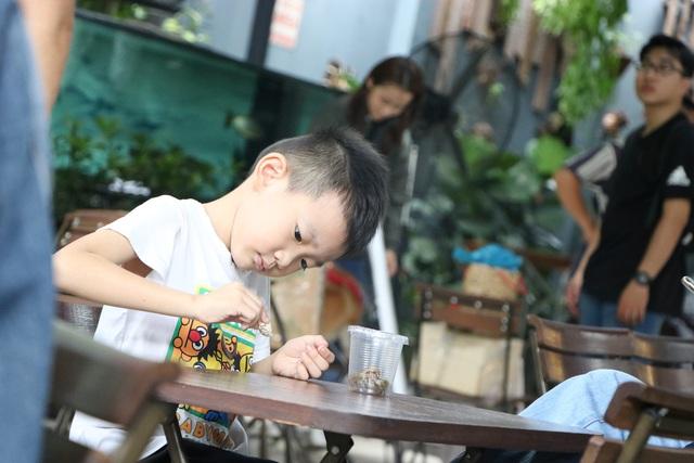 Trẻ em Sài Gòn háo hức đến quán cà phê độc nhất vô nhị chơi đùa với thú cưng tiền tỷ - Ảnh 3.