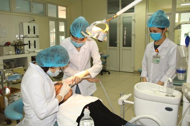 Người dân vui mừng khi nơi từng là bệnh viện dã chiến điều trị bệnh nhân mắc COVID-19 ở Hải Dương hoạt động trở lại - Ảnh 15.
