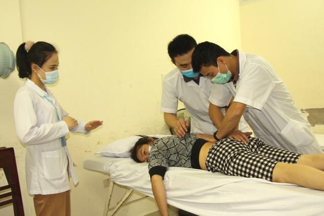 Người dân vui mừng khi nơi từng là bệnh viện dã chiến điều trị bệnh nhân mắc COVID-19 ở Hải Dương hoạt động trở lại - Ảnh 17.