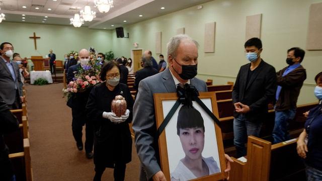 Nạn nhân gốc Á bị bắn chết ở Mỹ, tang lễ không một người thân quen - Ảnh 2.