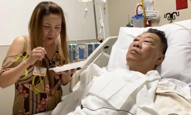 Nhạc sĩ Lê Quang phẫu thuật thông mạch máu - Ảnh 2.