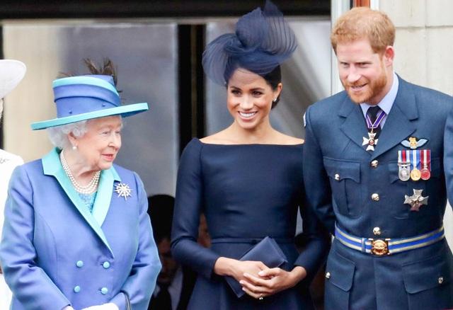 Meghan Markle tự từ chối mọi ưu ái của Nữ hoàng Anh, tự lựa chọn cuộc sống độc lập tài chính - Ảnh 3.