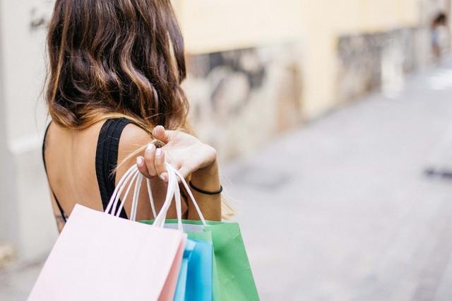8 nguyên nhân khiến bạn mua những thứ không cần thiết và nhanh chóng viêm màng túi, đặc biệt là phụ nữ - Ảnh 1.