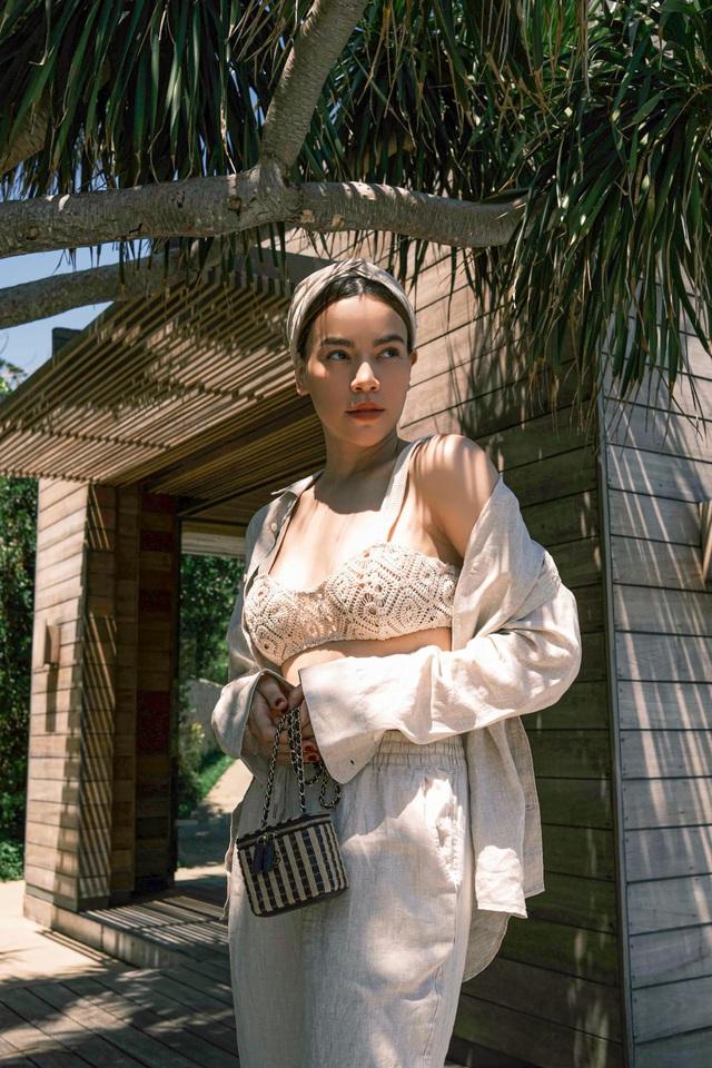 Hà Hồ bị fan bóc nhược điểm vóc dáng khi diện váy gợi cảm nhưng vẫn tự tin khoe dáng với cả loạt đồ sexy hết nấc - Ảnh 4.